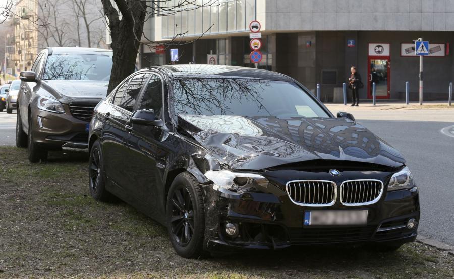 Miejsce kolizji BMW, którym podróżował wiceszef MON Bartosz Kownacki