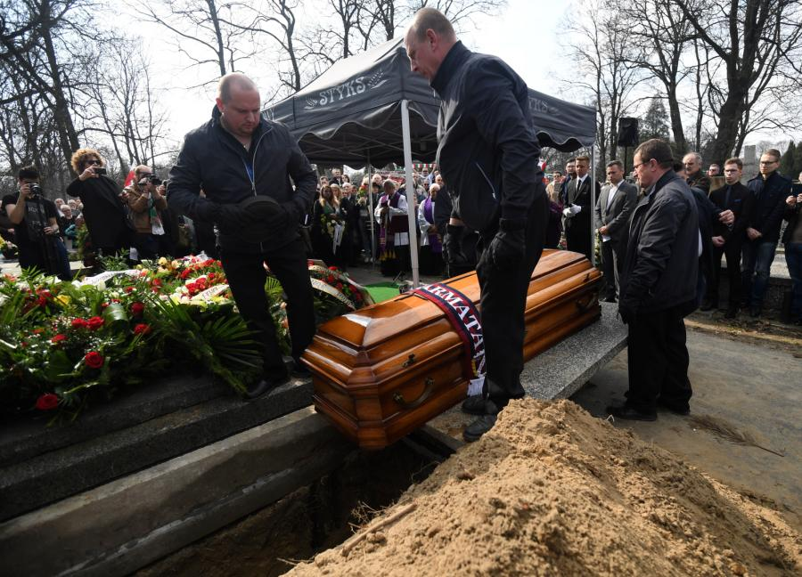 Uroczystości pogrzebowe dziennikarza sportowego Pawła Zarzecznego