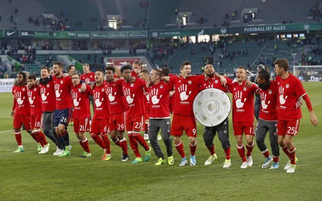Tak Robert Lewandowski cieszył się z kolegami z Bayernu z kolejnego mistrzostwa Niemiec