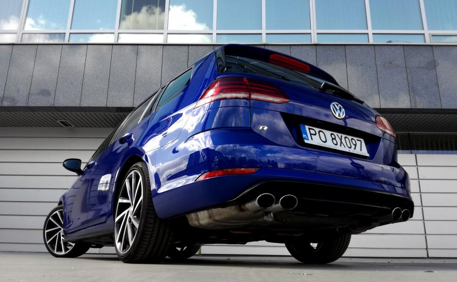 W Polsce liczba rejestracji nowych Volkswagenów w ciągu pierwszych 6 miesięcy tego roku wzrosła o ponad 20 proc. Z salonów wyjechało niemal 5 tys. więcej aut niż od stycznia do czerwca 2016