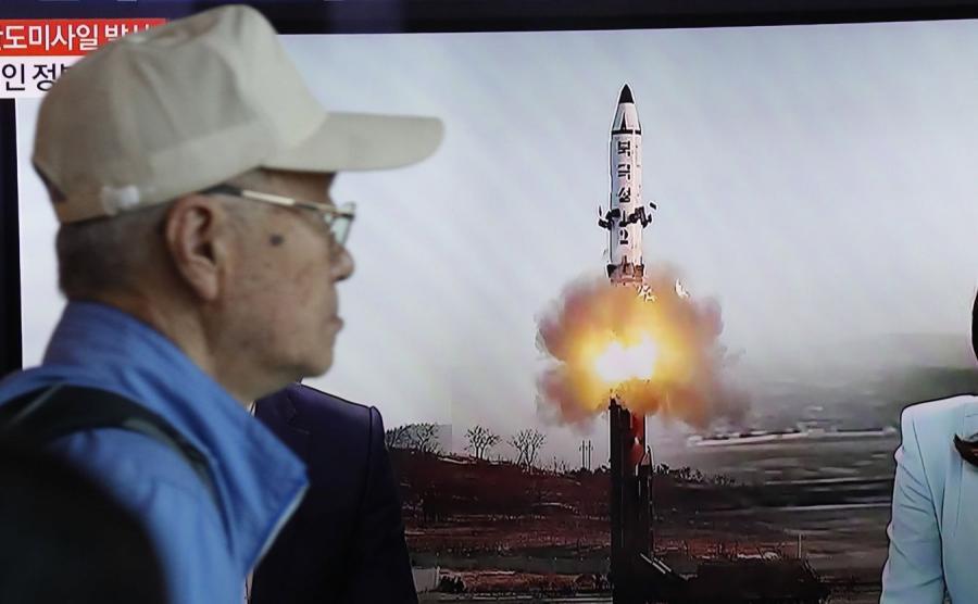 Koreańczycy z Południa obejrzeli wystrzelenie północnokoreańskiego pocisku na ekranach telewizorów