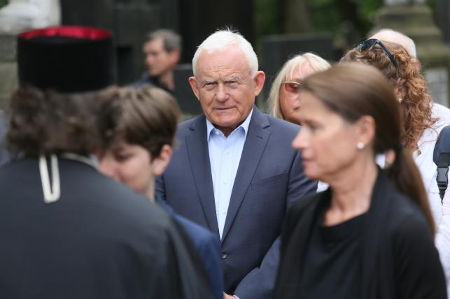 Leszek Miller na pogrzebie