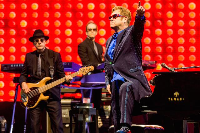 Elton John zaczarował Operę Leśną. Wielkie przeboje i cudowna atmosfera [FOTO]