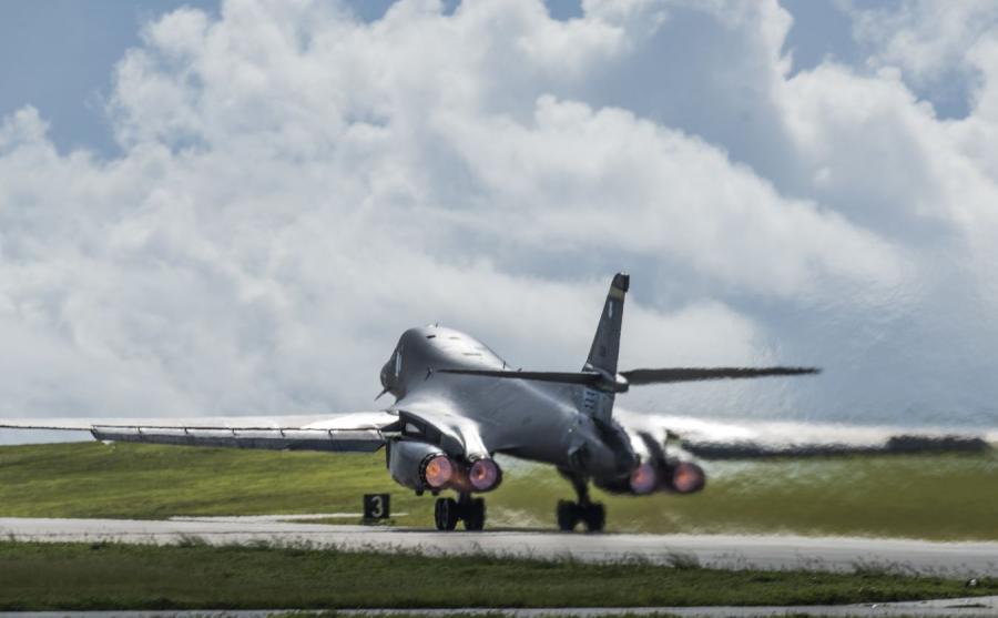 Bombowiec B1 na wyspie Guam