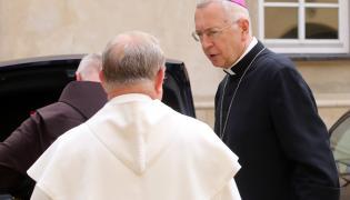 Przewodniczący Konferencji Episkopatu Polski, arcybiskup metropolita poznański Stanisław Gądecki (po prawej)