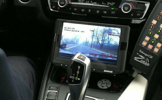 Policjanci w nowych BMW do pomiaru prędkości będą używać wideorejestratorów videorapid 2a polskiej firmy Zurad