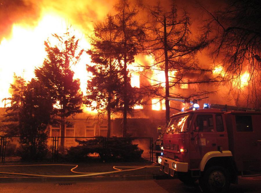 Spłonął hotel socjalny. 22 osoby nie żyją. Zdjęcia dzięki uprzejmości RMF FM