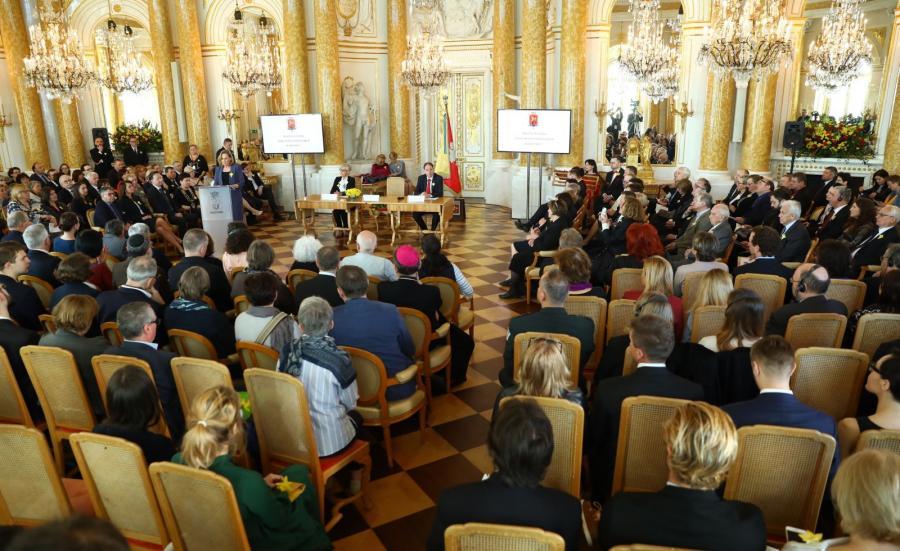 Uroczysta sesja Rady Miasta Stołecznego Warszawy