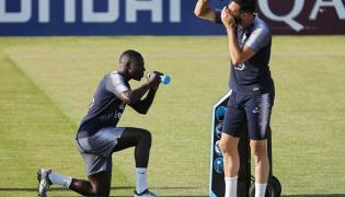 Piłkarze reprezentacji Francji: Benjamin Mendy i Adil Rami