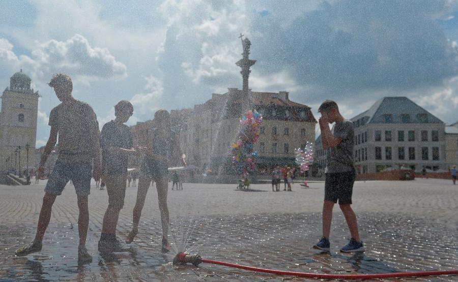 Kurtyny wodne w Warszawie