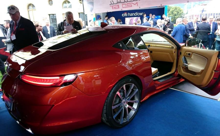 Pod względem technicznym M20 GT bazuje na podzespołach Mustanga GT (model z 2016 roku). Również silnik 5.0 V8 o mocy 420 KM i skrzynia biegów pochodzą od sportowego Forda