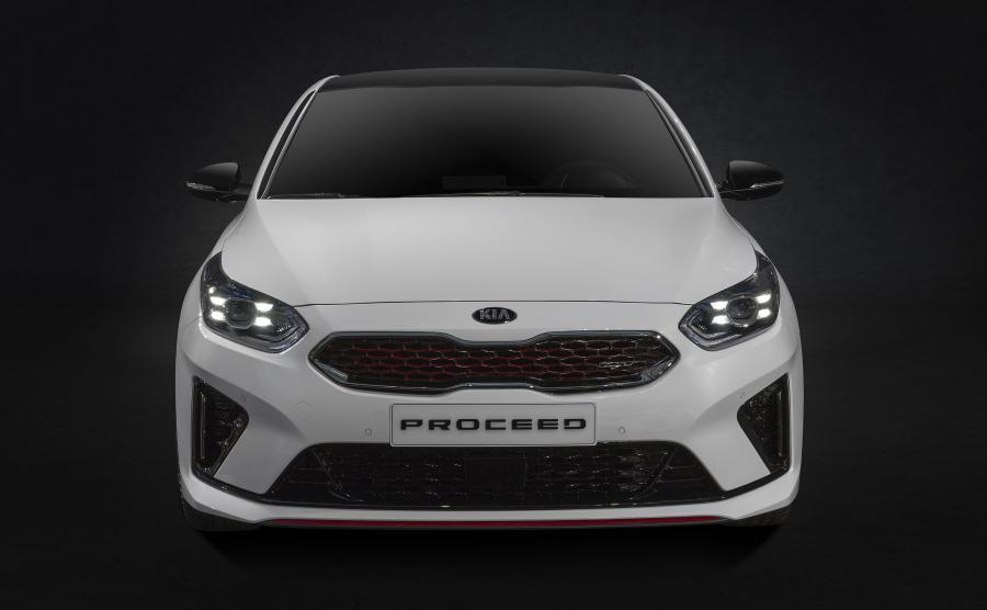 ProCeed będzie dostępny wyłącznie w najlepiej wyposażonej wersji GT Line i jako najwyższy model w gamie samochodów marki Kia, czyli GT