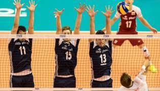 Polacy: Fabian Drzyzga (L), Jakub Kochanowski (C) i Michał Kubiak (2P) oraz Aleksandar Atanasijević (P) z Serbii