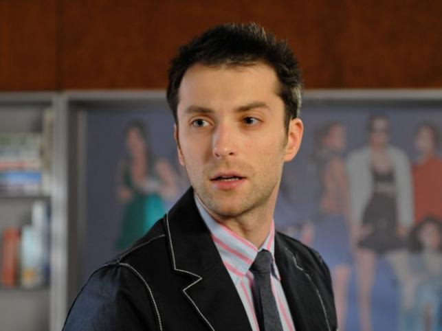 """Znany z """"BrzydUli"""" aktor Filip Bobek został uznany przez serwis Plejada.pl za najprzystojniejszego polskiego aktora"""