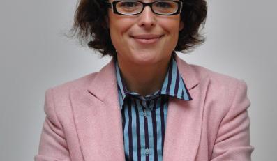 Agata Passent pochwala pomysł budowania altanek dla matek karmiących dzieci