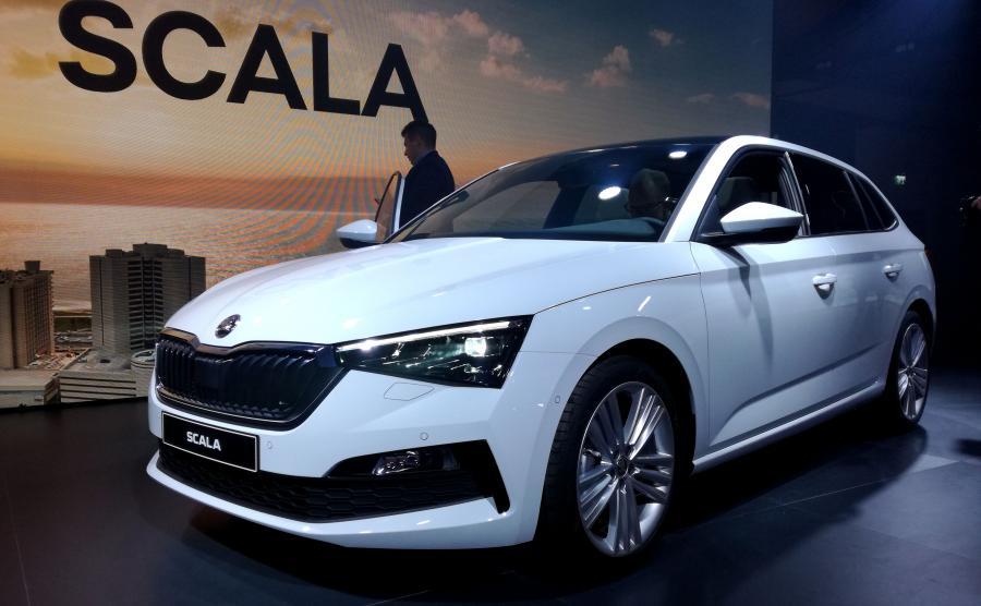 Skoda SCALA została tak oszlifowana w tunelu aerodynamicznym, że oferuje bardzo korzystny współczynnik oporu powietrza - na poziomie 0,29. To przełoży się m.in. na komfort akustyczny w kabinie i ekonomiczne spalanie