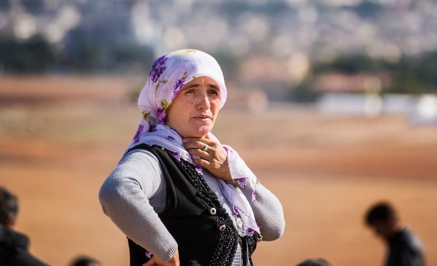 Kurdyjka w obozie uchodźców