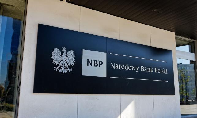 Prezes NBP przyznał cywilne odznaczenia. Na liście m.in. Chrzanowski, Wojciechowska i Sukiennik