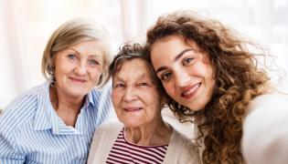 Kobiety w różnym w wieku