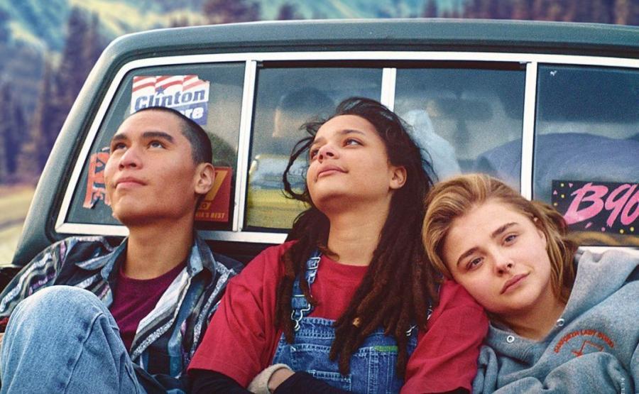 Forrest Goodluck, Sasha Lane i Chloë Grace Moretz