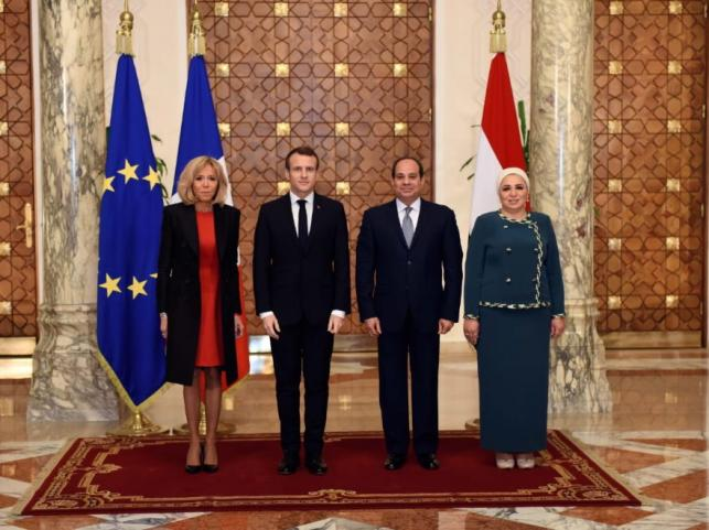 Brigitte i Emmanuel Macronowie oraz Abdel Fattah al-Sisi i Entissar Amer