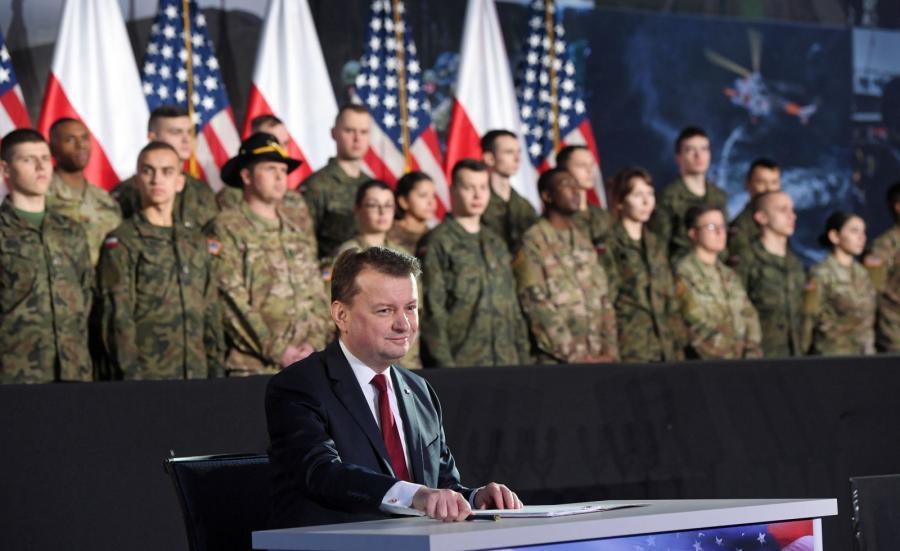 Minister obrony narodowej RP Mariusz Błaszczak podpisał umowę na dostawę amerykańskiego systemu artylerii rakietowej HIMARS
