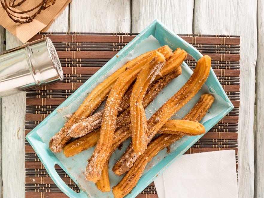 Przepis Na Churros Z Karmelizowanym Mango Hiszpanska Slodycz Na
