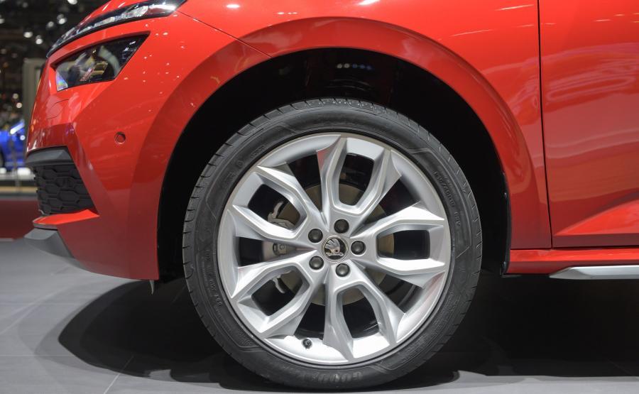 Skoda Kamiq - w zależnoci od wersji producent przewiduje 16-, 17- lub 18-calowe felgi aluminiowe