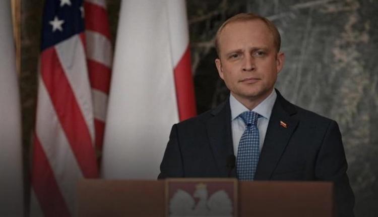 Piotr Adamczyk jako prezydent Polski w serialu \