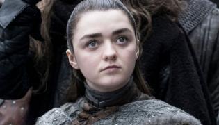 """Maisie Williams jako Arya Stark w """"Grze o tron"""""""