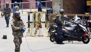 Wojsko lankijskie rozbraja bomby