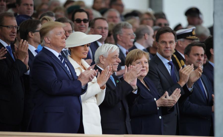 Angela Merkel oraz inni przywódcy państw podczas obchodów 75-lecia lądowania w Normandii