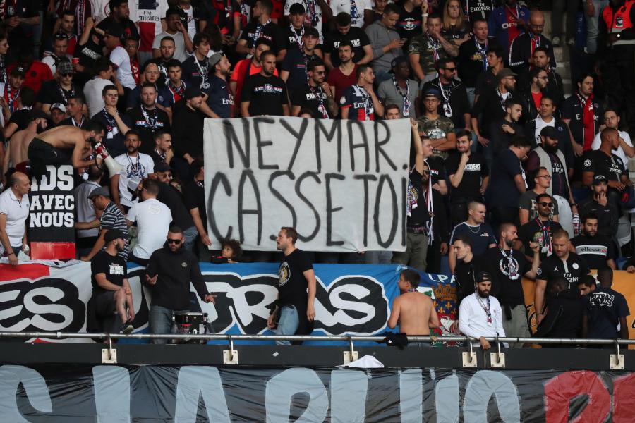 Kibice obrażali Neymara