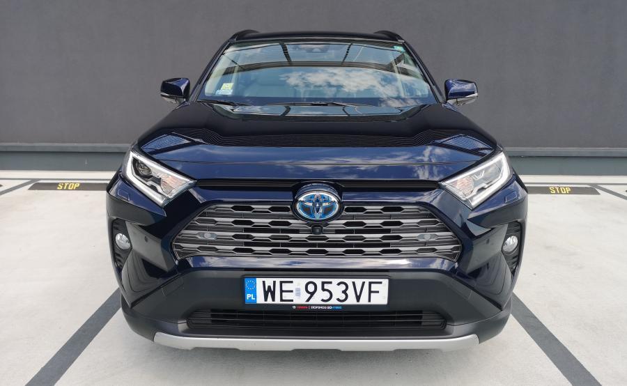 Toyota RAV4 Hybrid - na bazie tego auta Suzuki zaoferuje własnego SUV-a z napędem hybrydowym