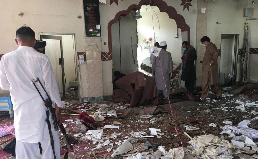 Meczet w Pakistanie po eksplozji