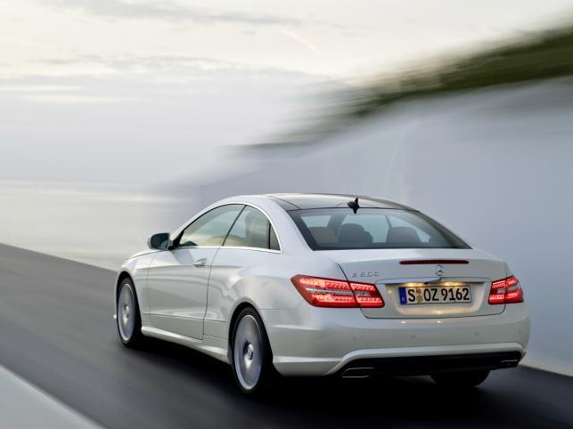 Jeszcze gorące coupe Mercedesa naszpikowano elektroniką i systemami bezpieczeństwa najróżniejszej maści