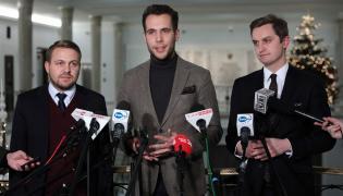 Posłowie Jan Kanthak, Jacek Ozdoba oraz Sebastian Kaleta