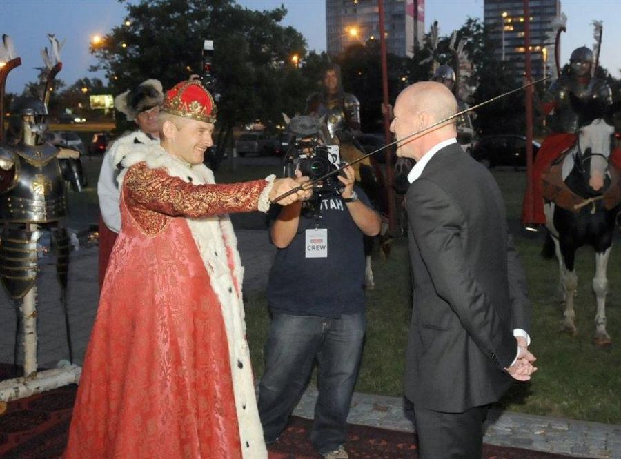 Bruce Willis w Warszawie dostał mieczem