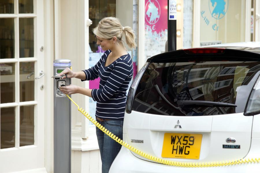Elektryczne auta pojadą ławą dopiero za 10 lat