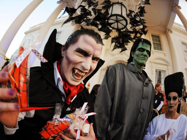 Obchody Halloween przed Białym Domem w Waszyngtonie