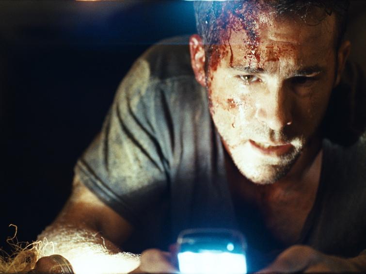 Ryan Reynolds sześć stóp pod ziemią