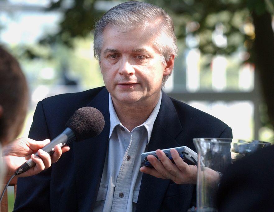 Cimoszewicz poprowadzi muzyczną audycję w radiu