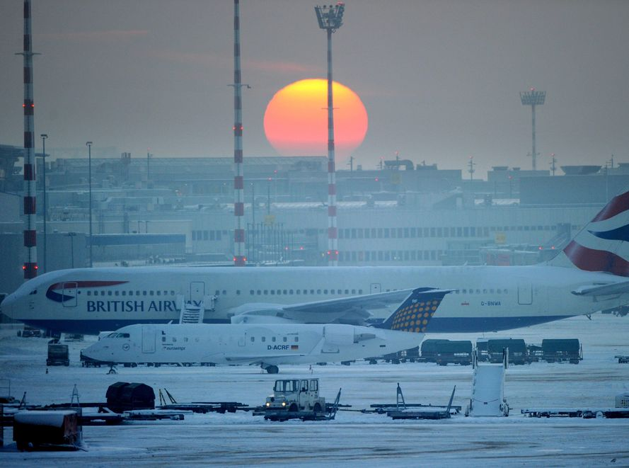 Sytuacja na francuskich lotniskach powoli wraca do normy