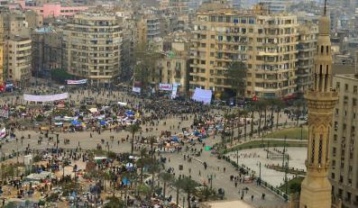 15-procetowa podwyżka płac dla pracowników rządowych ma zjednać rządowi uczestników demonstracji