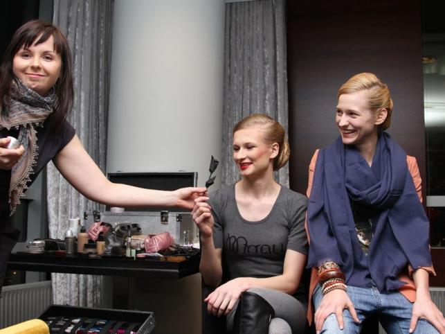 Pokaz kolekcji Ewy Minge i Arkadiusza Prajsa z udziałem uczestniczek Top Model - kulisy