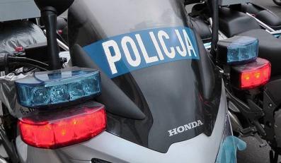 5,5 mln złotych wydała KGP na wyposażenie niemal 370 nowych motocykli honda w analogowe radiostacje
