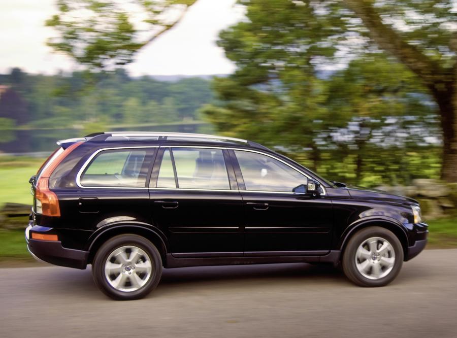 Podobnym modelem Volvo XC90 Hofman szalał niedawno po stolicy, łamiąc ograniczenia prędkości
