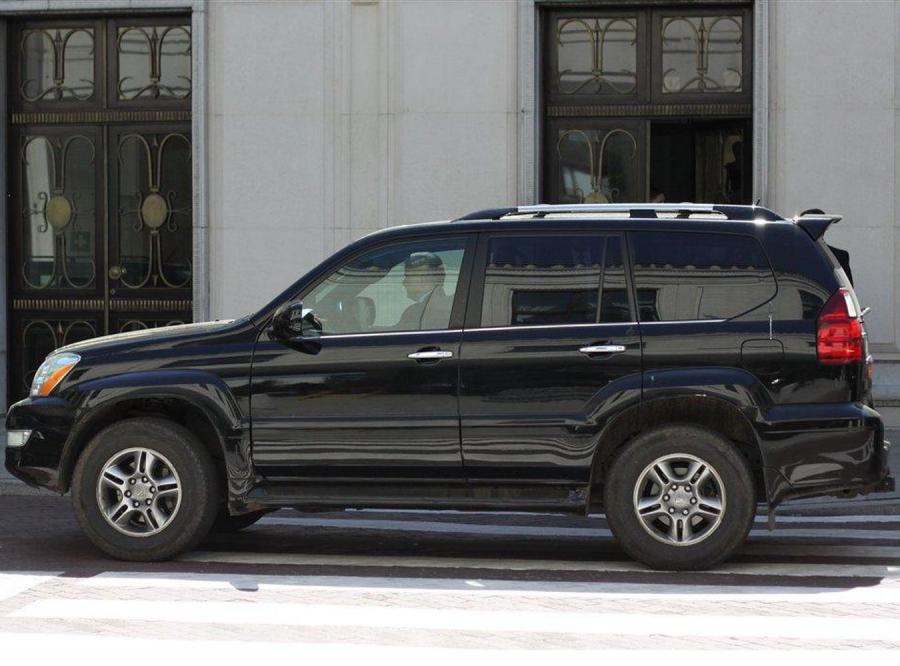Cimoszewicz sprowadził auto z USA