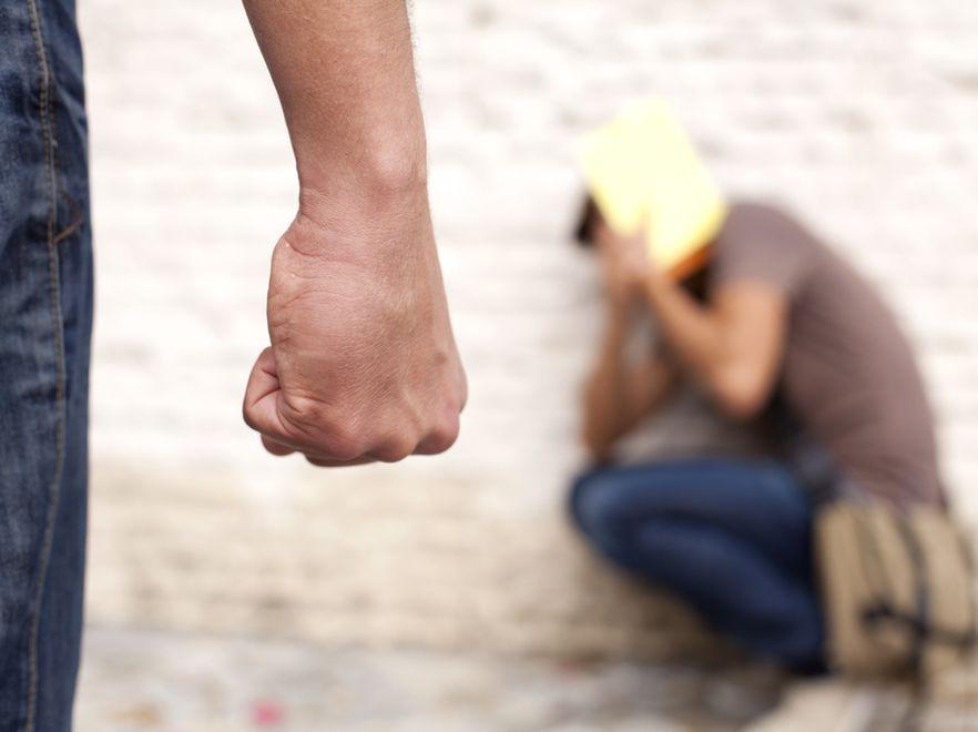 Przemoc wobec dzieci i nastolatków to wciąż poważny problem.
