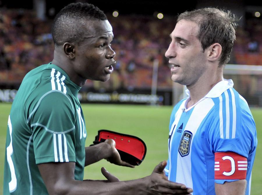 Pablo Zabaleta (z prawej) będzie jedną z największych gwiazd w składzie Argentyny w meczu z Polską